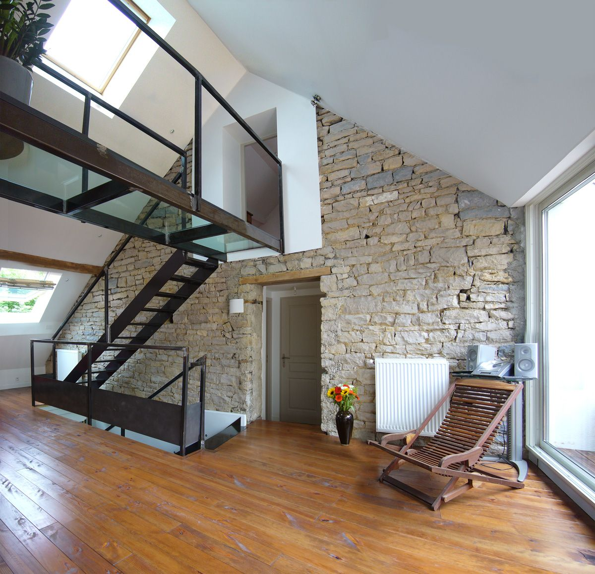 R novation grange am nagement loft divercity for Renovation maison pierre