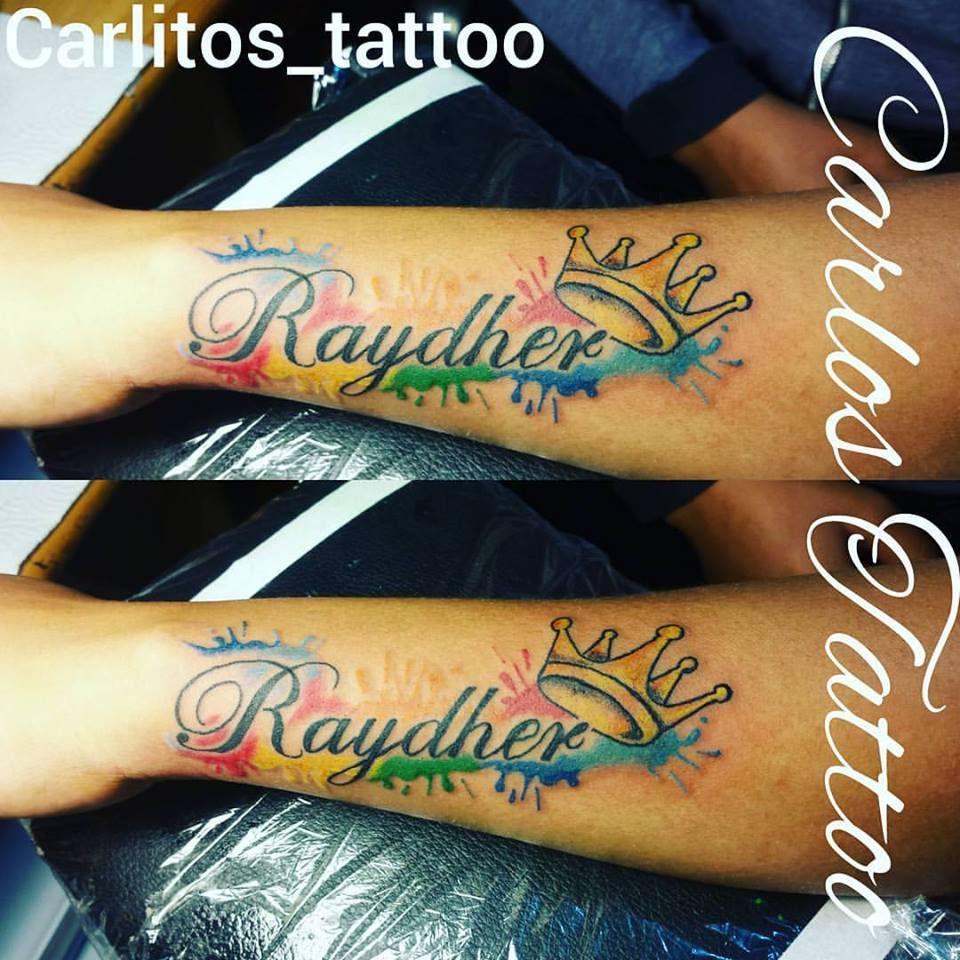 Tattoo Nombre En Colores Y Corona Carlos Tattoo Tatuajes De