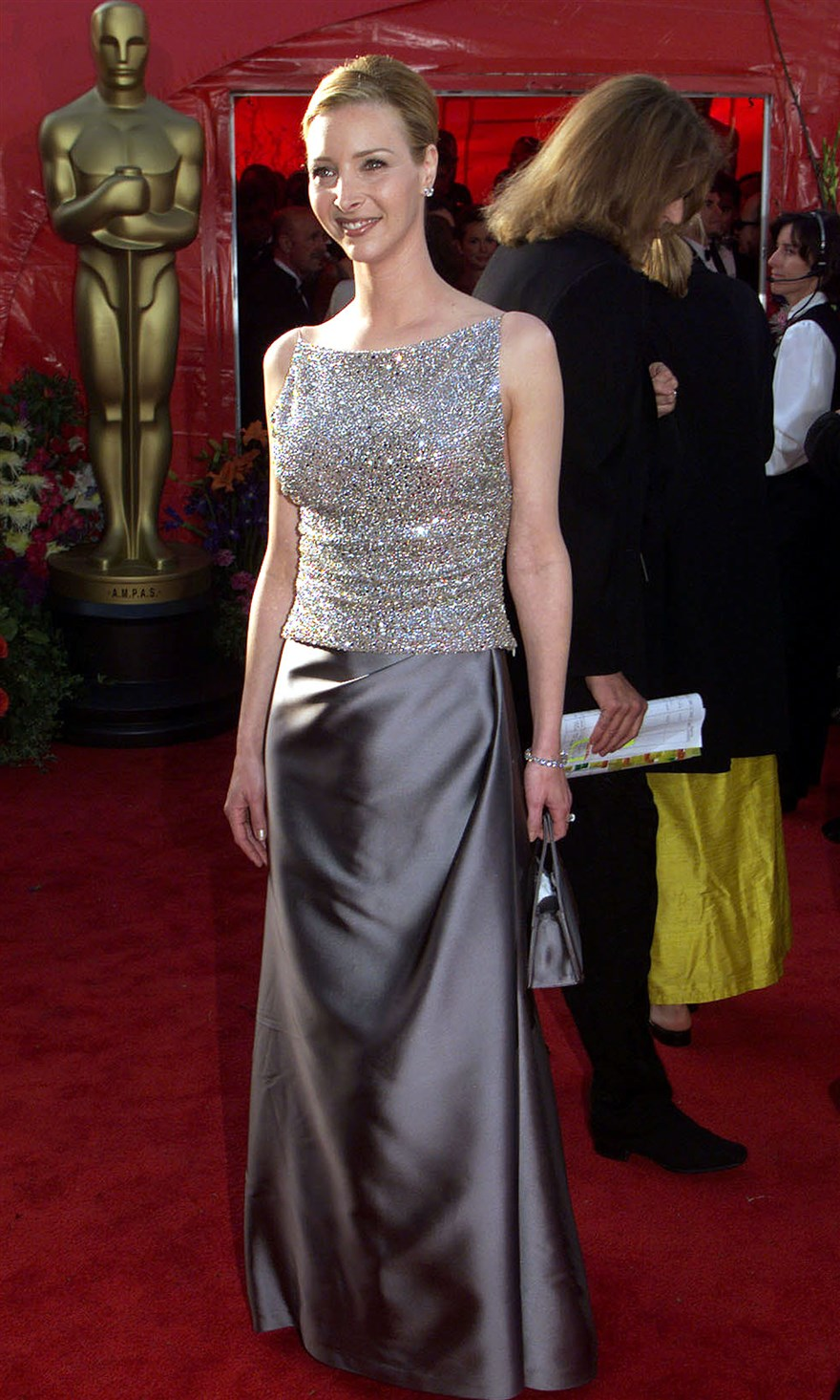 Oscars Flashback See What The 1999 Red Carpet Looked Like Red Carpet Looks Badgley Mischka Dress Valentino Gowns [ 1465 x 880 Pixel ]