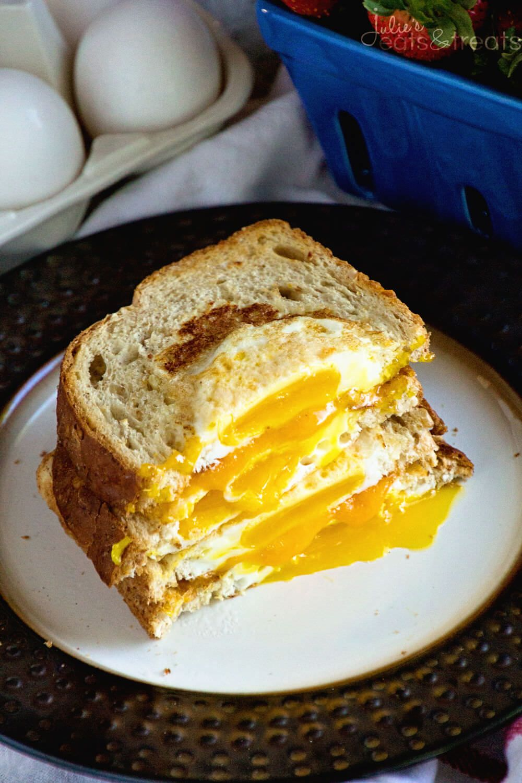 how to make homemade egg breakfast sandwiches