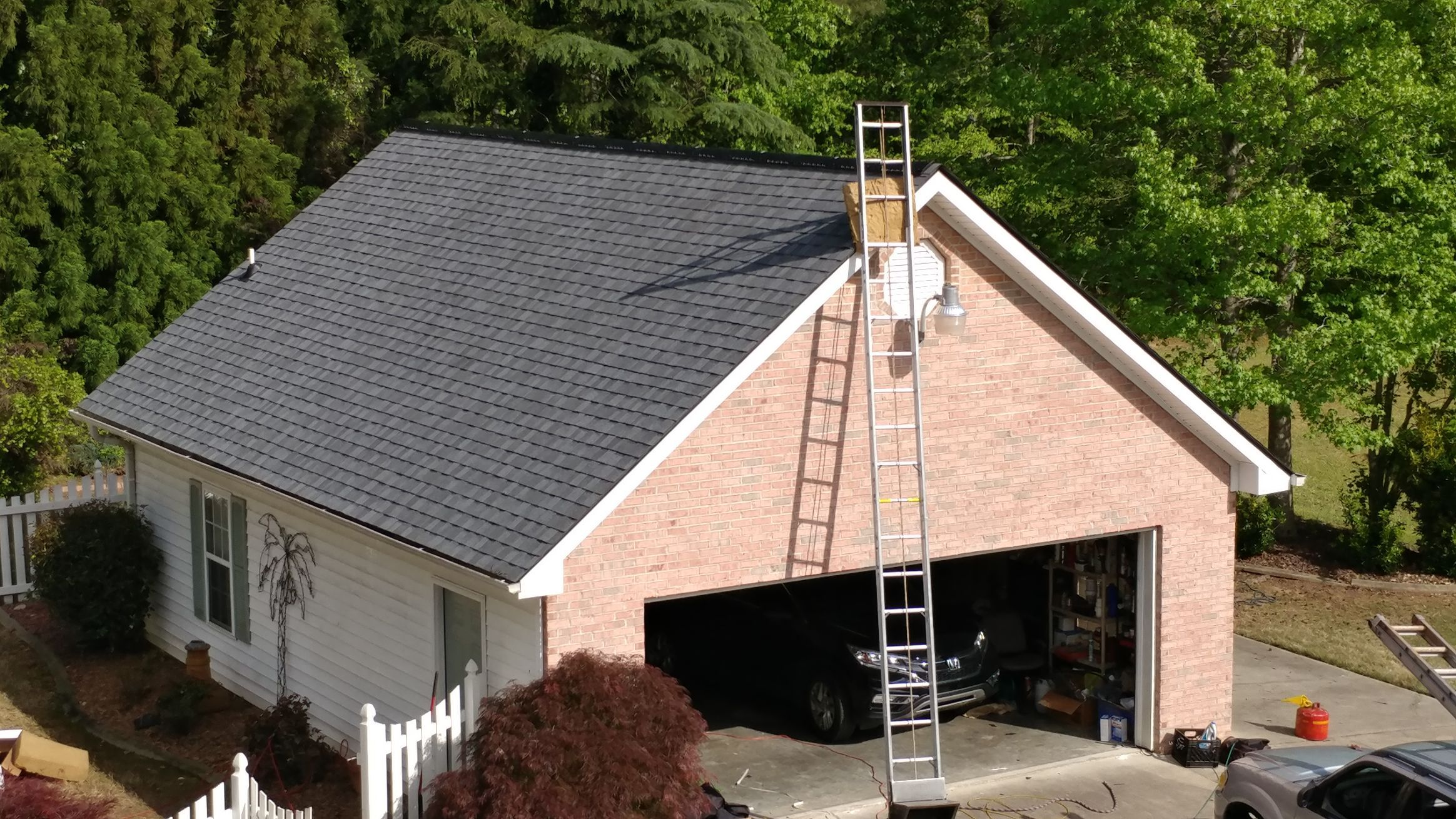 Best Landmark Pewter Certainteed Shingles On A Gable Roof With 640 x 480