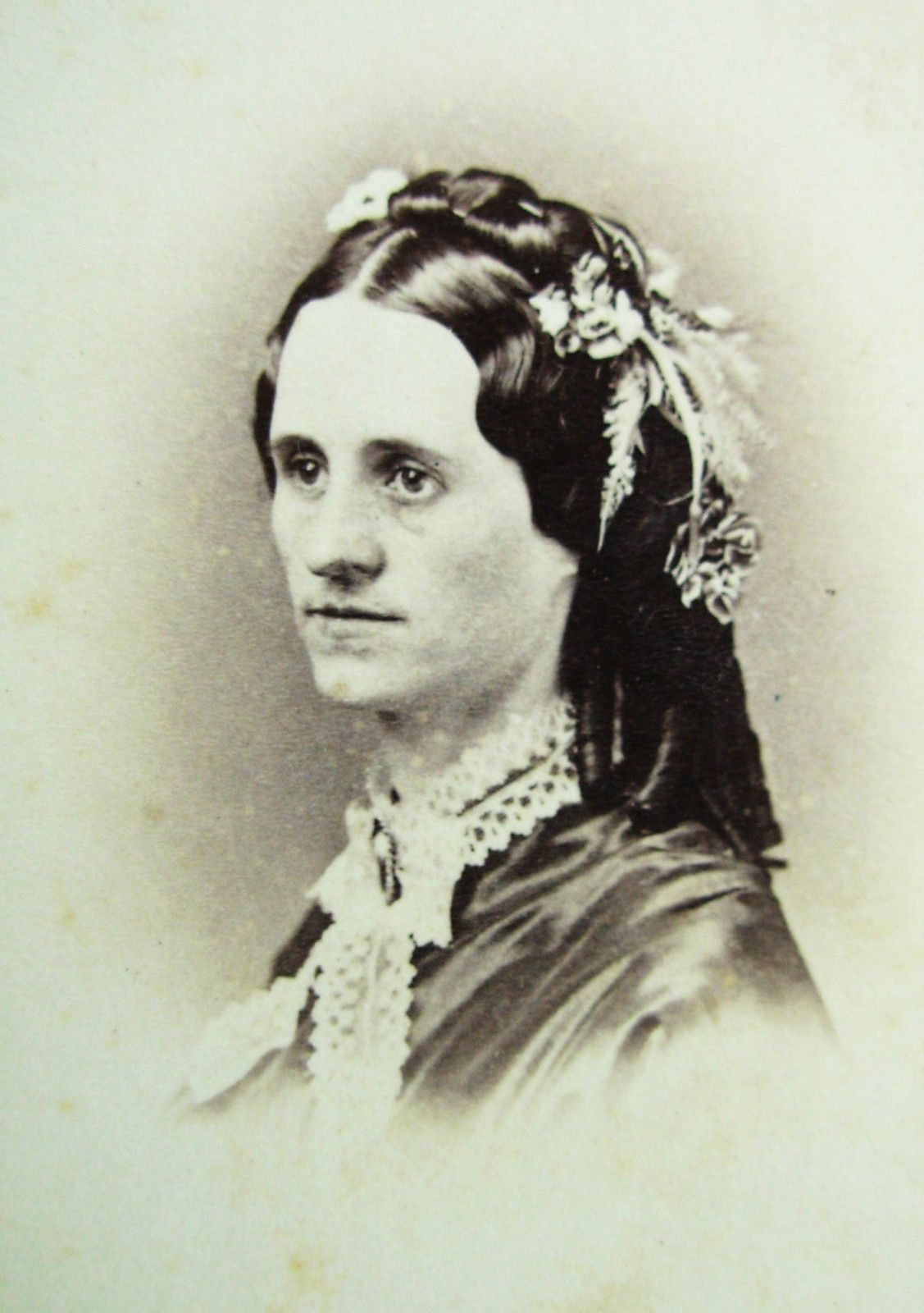 civil-war-era-cdv-photo-lovely-young-woman-with-lovely-hair