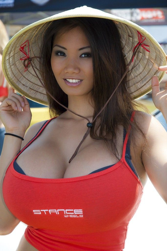Busty las vegas model