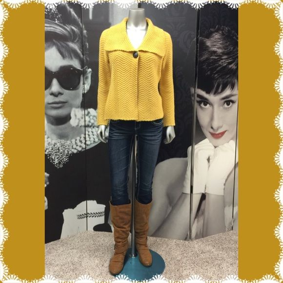 JM Collection Sweater Very Cute Mustard Yellow JM Collection Sweater with Large Brown Button Closure!! Excellent Condition! (Small Petite) 100% Acrylic JM Collection Sweaters Cardigans