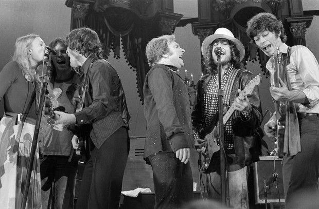 19- Bob Dylan - The Last Waltz concert at Winterland November 25, 1976