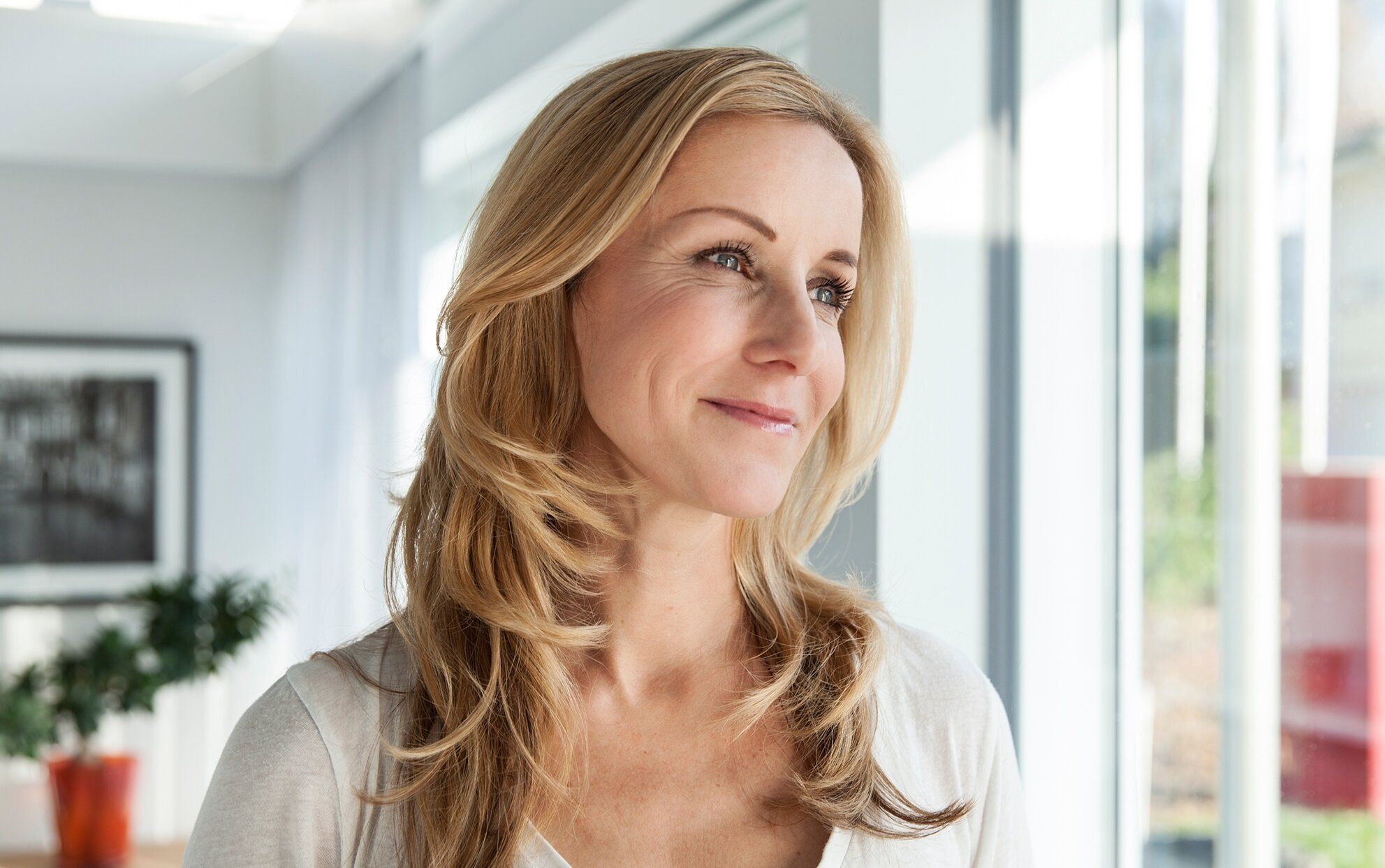 10 Anti-Aging Hair Must-Haves for Your 40s and 50s