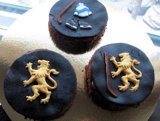Small hockey cakes!
