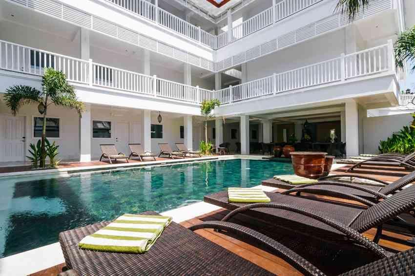 Hotel Samsara Legian Inn Berlokasi Hanya 10 Menit Berjalan Kaki Dari Pantai Kuta Ini Memiliki Kolam Renang
