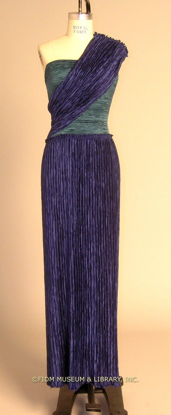Mary McFadden dress is reminiscent of Fortuny\'s iconic Delphos dress ...