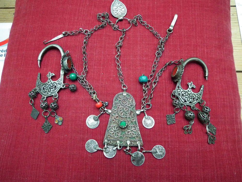 fbc4a44853c bijou ancien Maroc Très belle et rare parure de tête argent