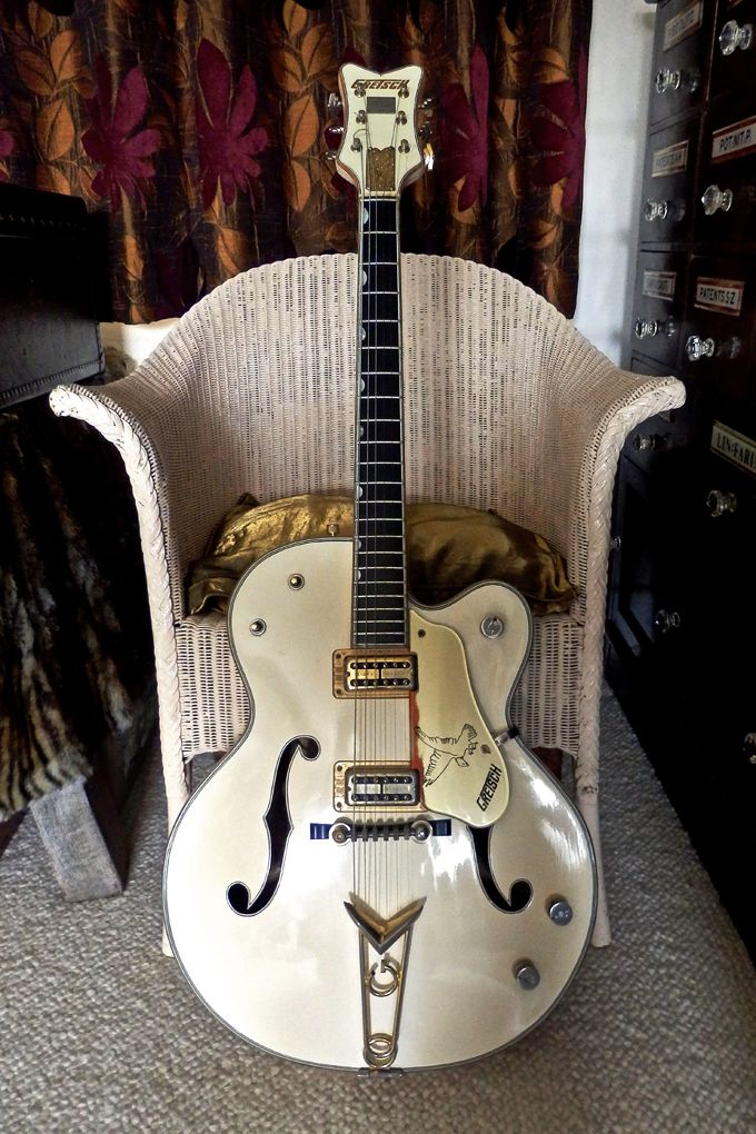 Vintage 1960 Gretsch 6136 White Falcon  This is a non-stereo (mono