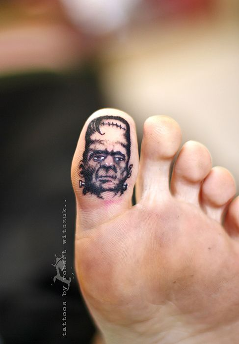 Frankie toe tattoos by robert witczuk body modifications for Toe tattoos pinterest