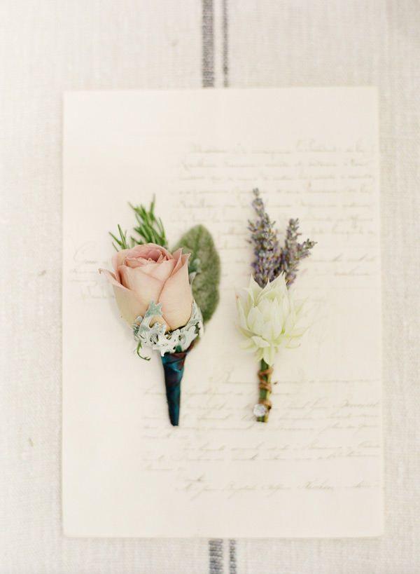 flores para a lapela do noivo e padrinho