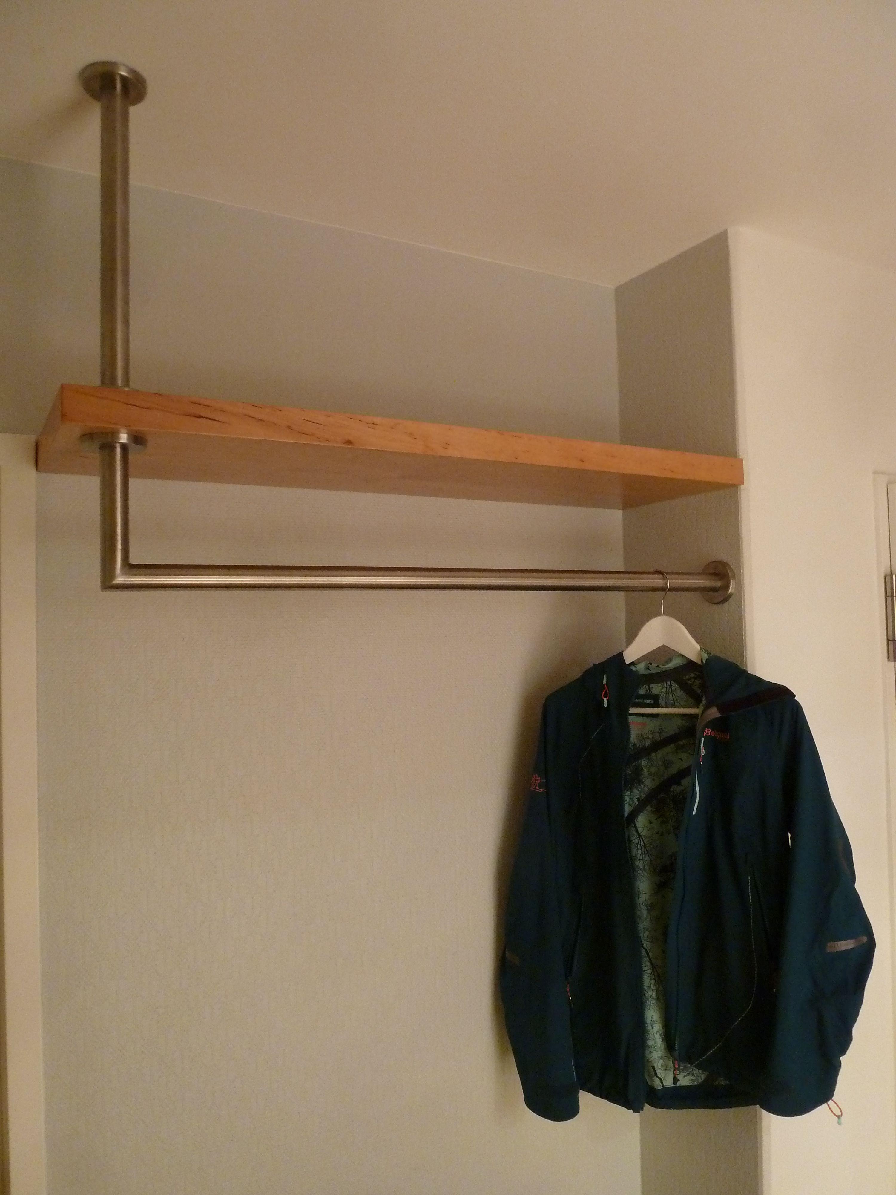 Edelstahl Garderobenstange L Form Als Holzregal Durchfuhrung Garderobenstange Garderobe Stange Regal Design