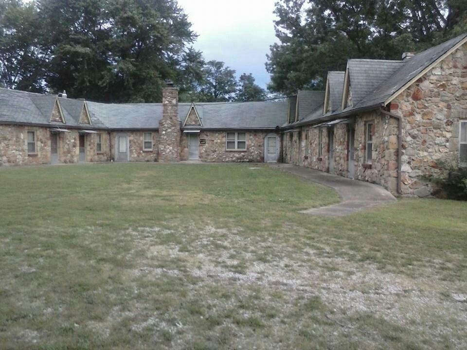 Abandoned Ozark Stone Motel Shamrock Court Sullivan Missouri