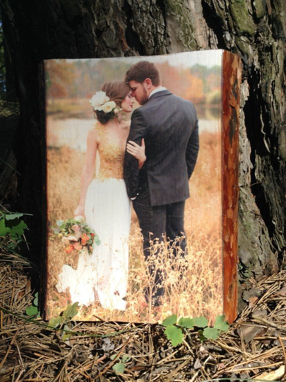 Photo on a tree, family photo, wedding photography, portrait on wood, wedding gift, wall decor, art on wood on request.