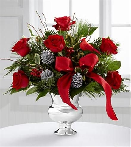 Beautiful christmas arrangements christmas flower for Poinsettia arrangements