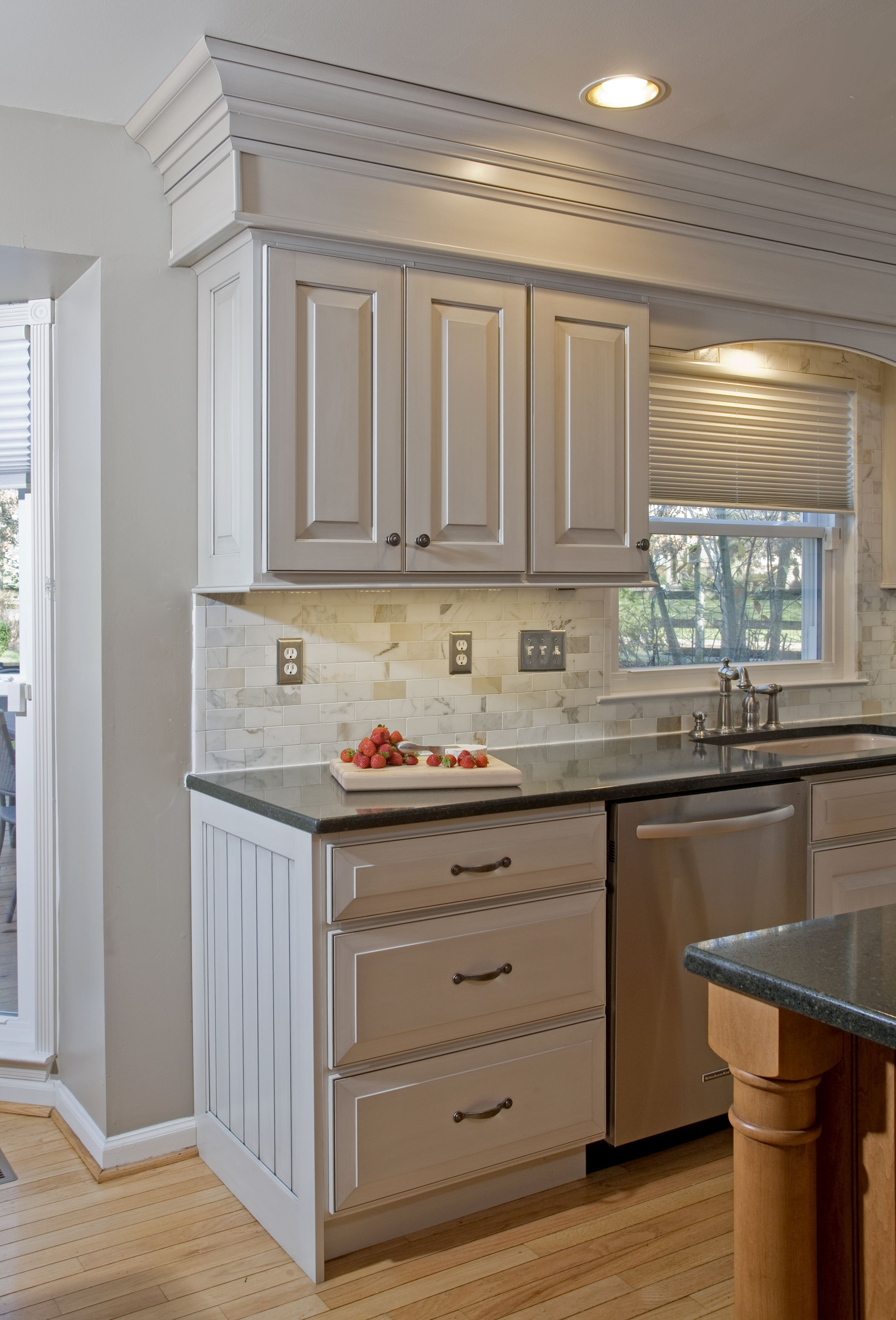 3 Loving Hacks Wainscoting Ceiling Chairs Wainscoting Shelf Laundry Rooms White Wainsc Wainscoting Kitchen Dining Room Wainscoting Kitchen Cabinets End Panels