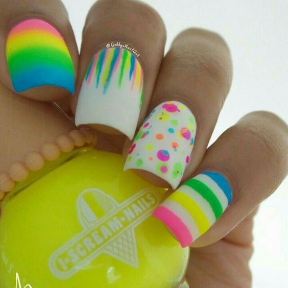 Simple But Artistic Nail Art Collections To Inspire You | Arte de ...
