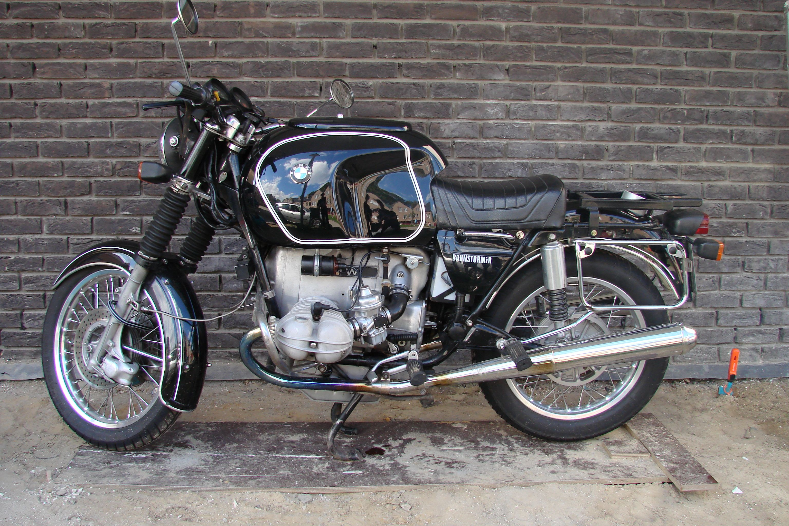 bmw r100 7 heinrich tank and mono seat motorcycles. Black Bedroom Furniture Sets. Home Design Ideas