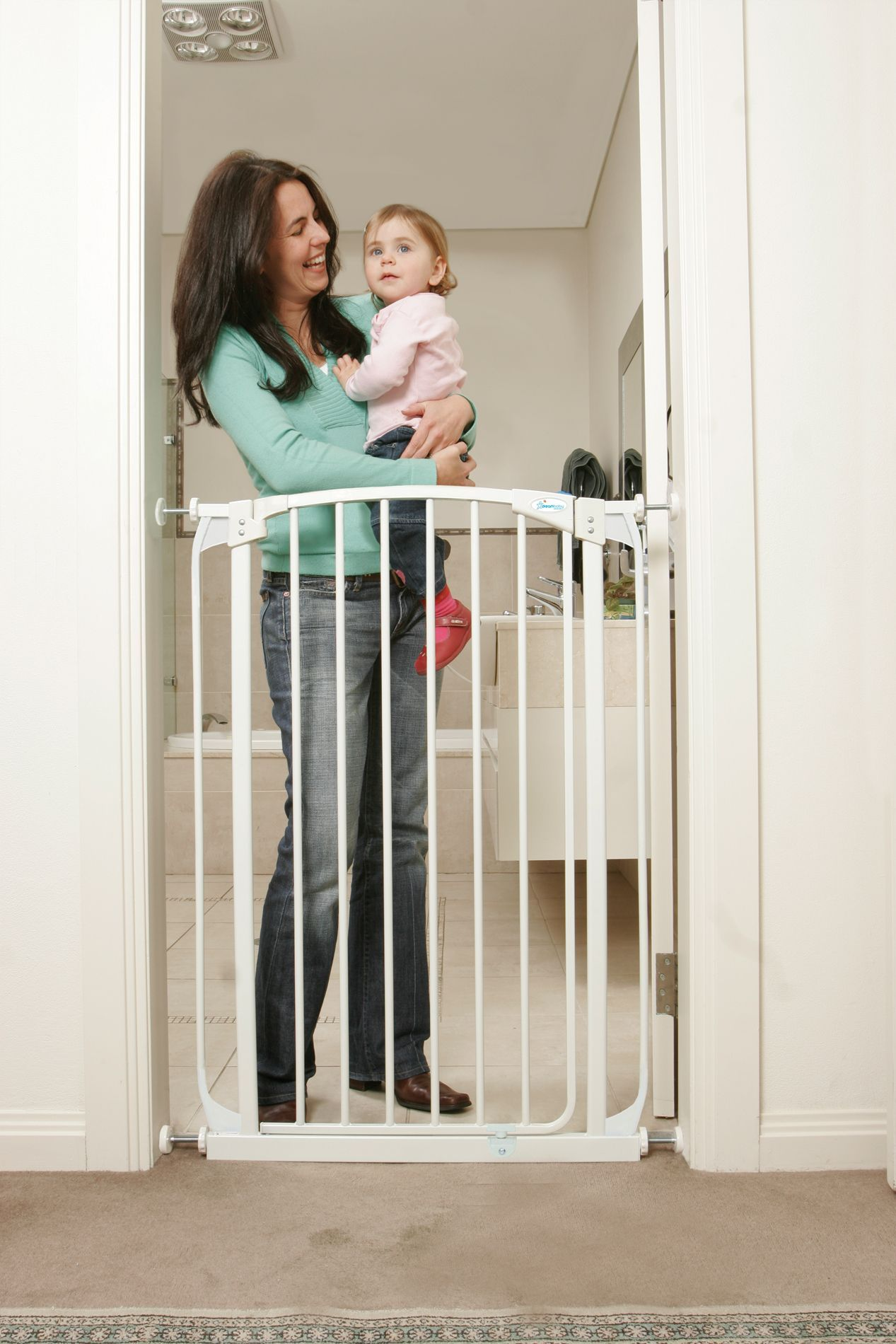 Safety 1st Wide and Sturdy Sliding Gate