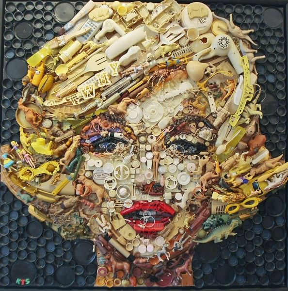 Art sculptures made from recycled materials artist for Any craft item with waste material