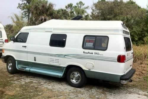 2001 roadtrek 190 popular for sale by owner on rv registry. Black Bedroom Furniture Sets. Home Design Ideas