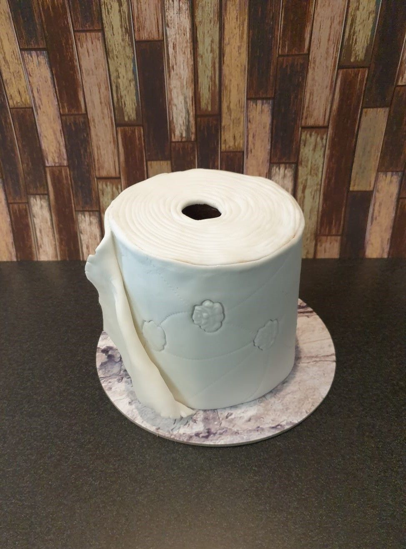 Toilettenpapier Torte In 2020 Motivtorten Torten Toilettenpapier