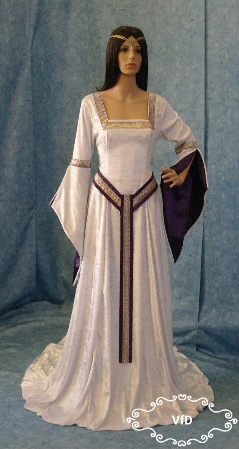 Celtic wedding dress with square neckline and girdle belt