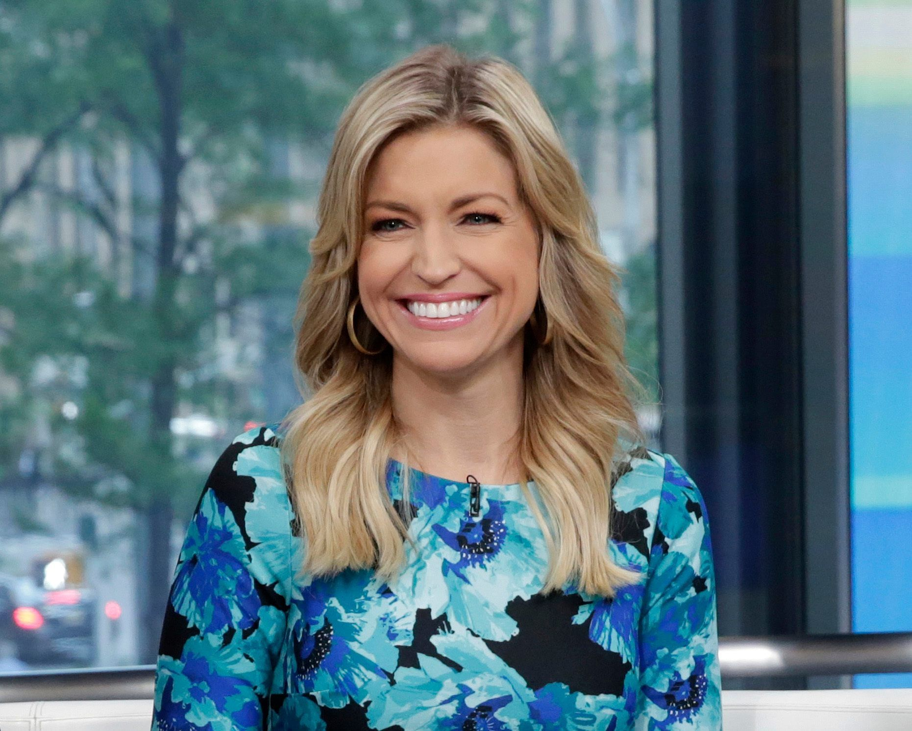 Ainsley Earhardt sets sights on Christmas in South