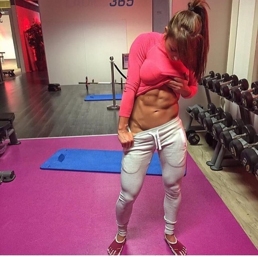 THE FIT ACADEMY ™👮💪  thefitacademy -  Bodygoals to the max!😱😍💪... Yooying e0d405e8a