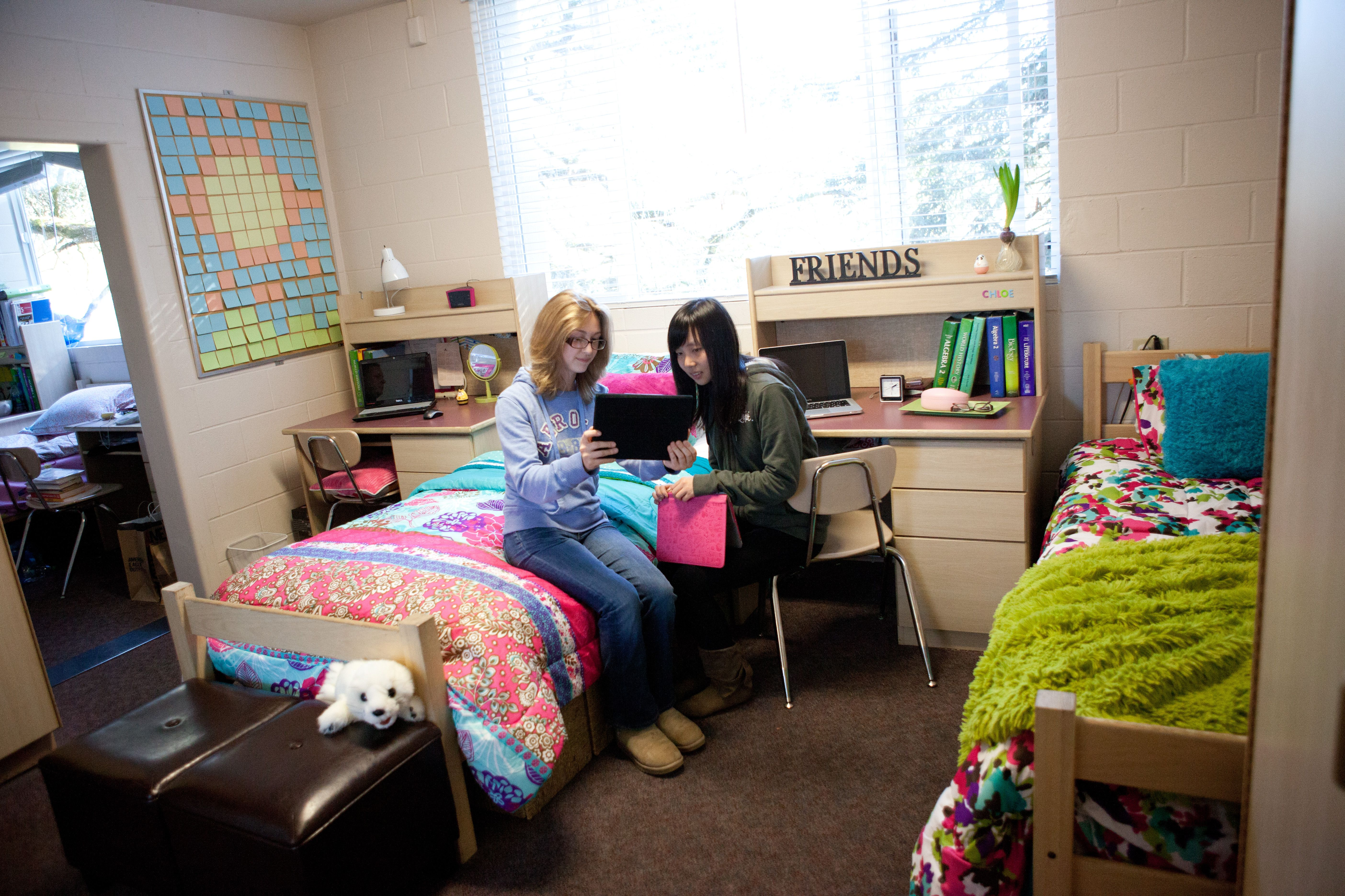 Monte Vista Christian School Girls Dorm Room