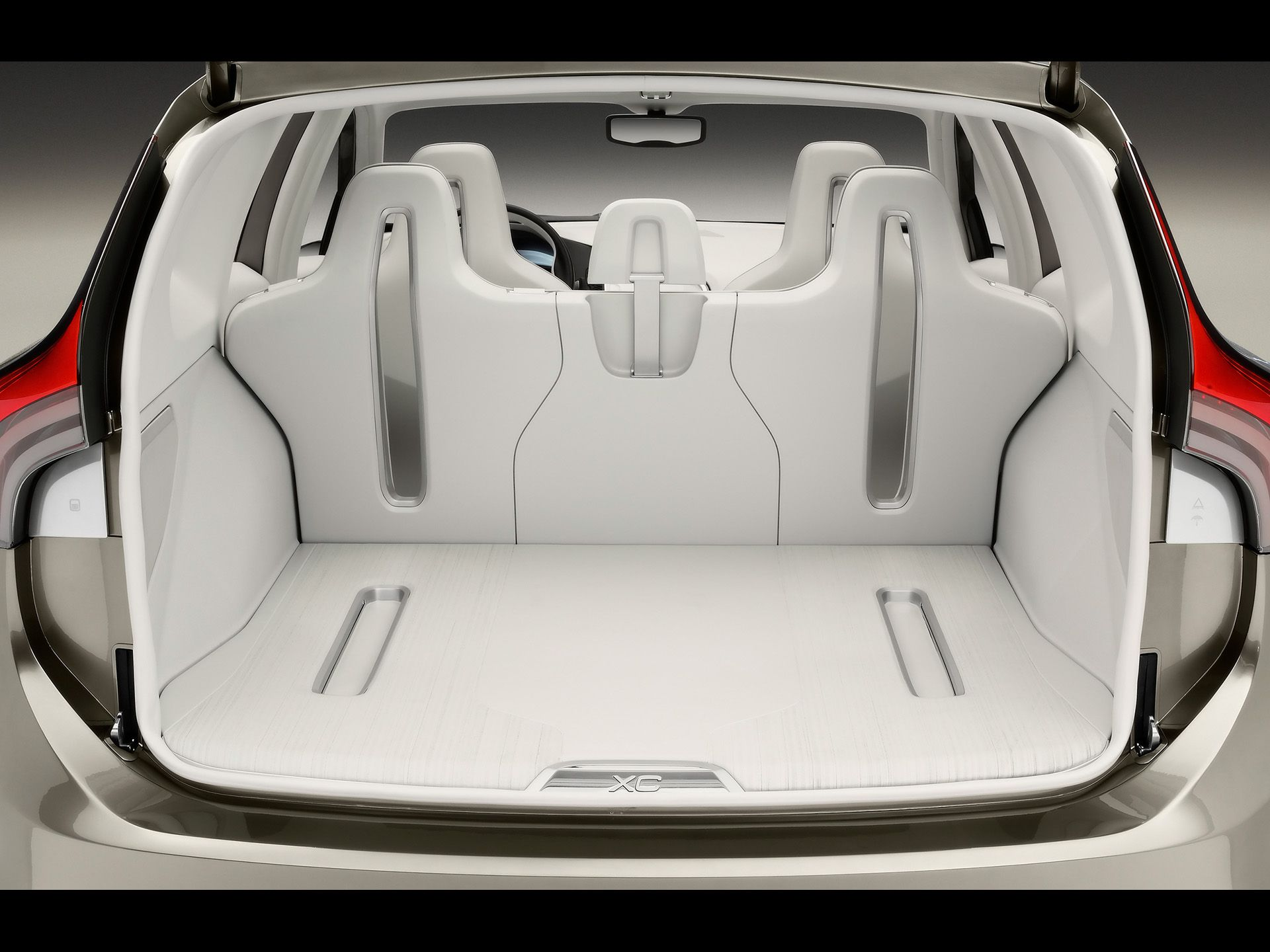 2007 Volvo Xc60 Concept Cargo Space With Centre Head Restraint In Use 1920x1440 Wallpaper Volvo Xc60 Volvo Sports Car