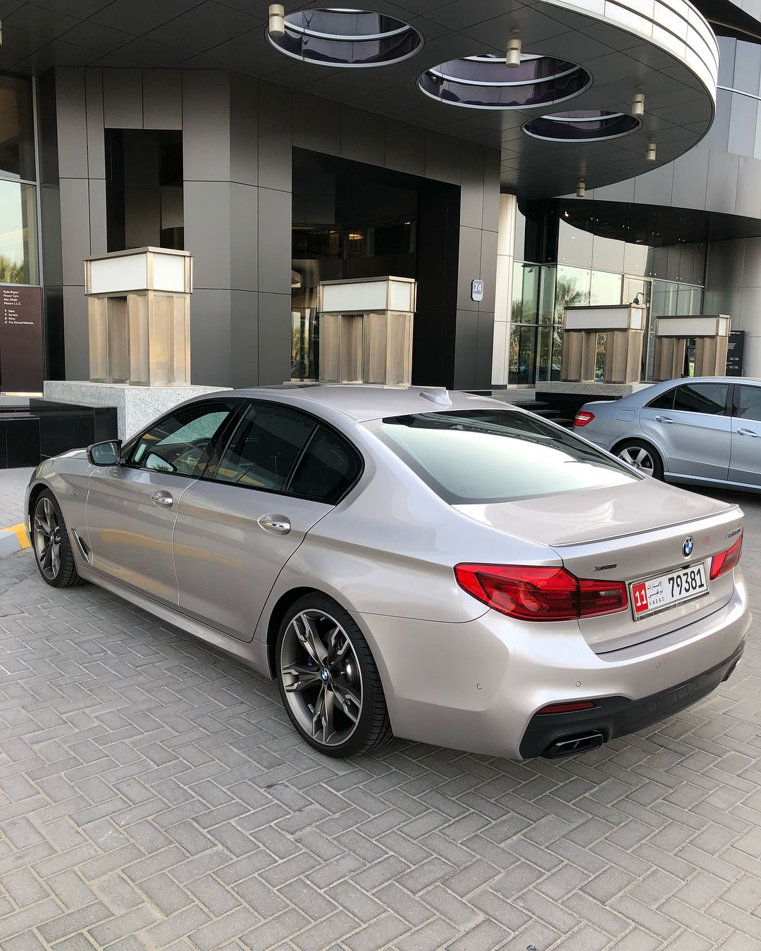 Bmw 550i M Performance Color Rhodonite Silver V8 44 L 462 Hp 0 100