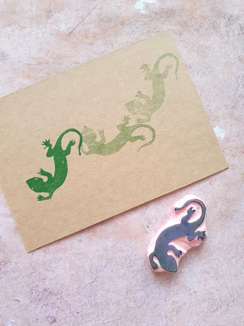 Lizard rubber stamp for boys notebook, gecko animal stamp for exotic birthday invitation, kids scrapbooking, children activities #rubberstamping
