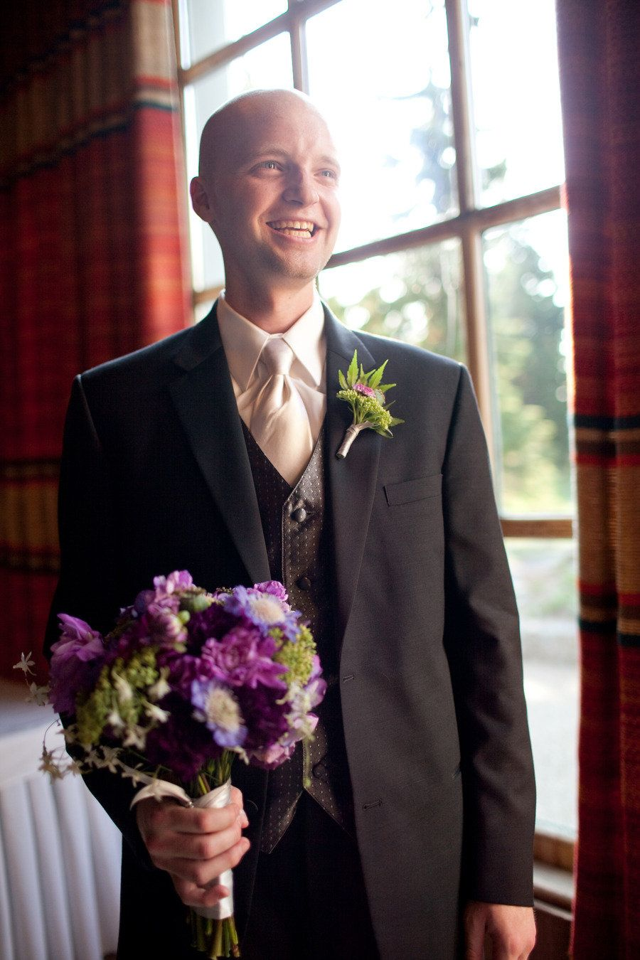 cute pic;  Photography by jessicahillphotography.com, Venue   Catering by timberlinelodge.com