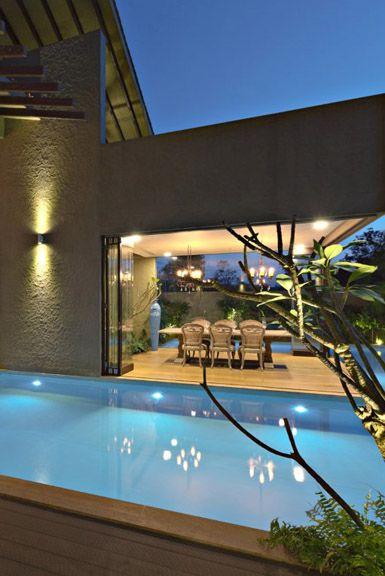 Wan interiors monsoon retreat by abraham john architects for Piscinas de monzon