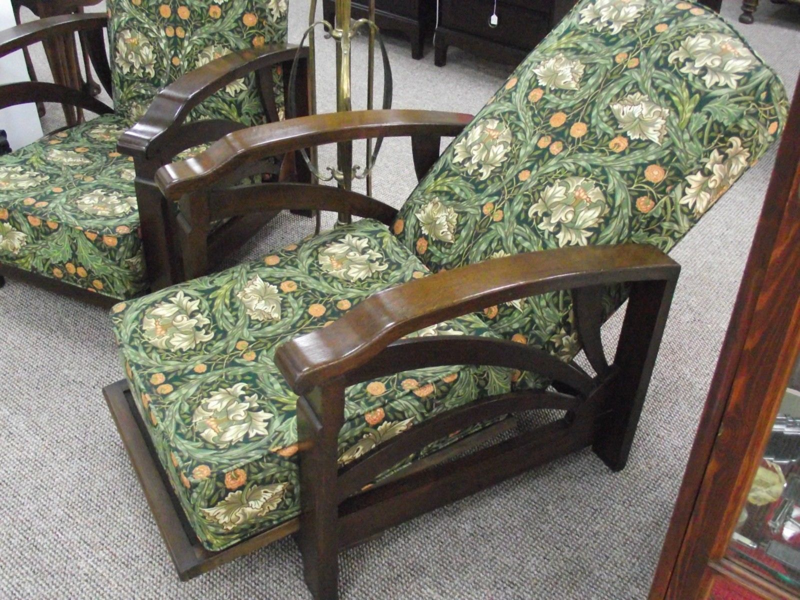 SUPERB PAIR OF ART DECO OAK RECLINING CHAIRS WITH WILLIAM