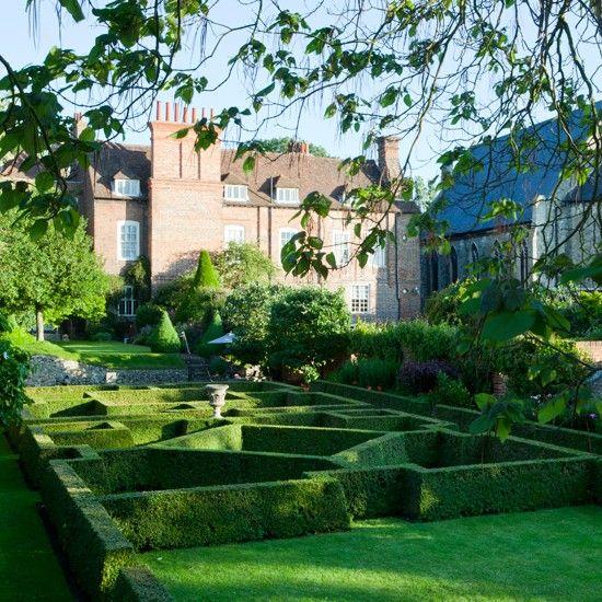 take a look around a classic garden in kent - Garden Design Kent