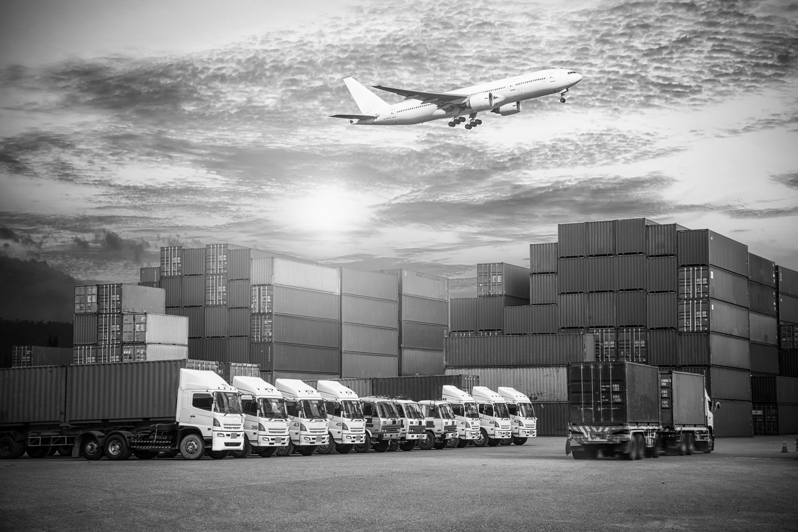 Freight forwarder company in delhi cargo services in