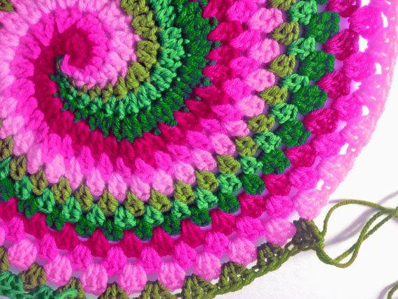 PDF Pattern for Rainbow Spiral Granny Blanket | Mandela häkeln ...