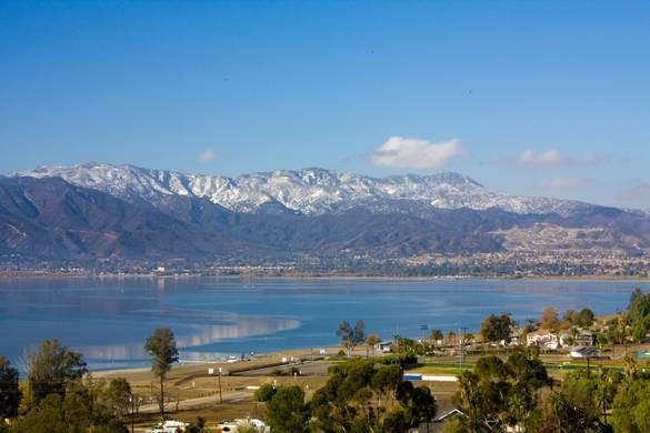 Snow Capped Ortega Mountains Lake Elsinore Photo Album Topix Lake Elsinore California Lake Elsinore Lake