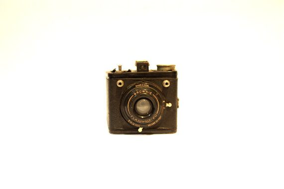 BROWNIE FLASH six twenty 6 20 USA Camera Vintage by lavibohemme