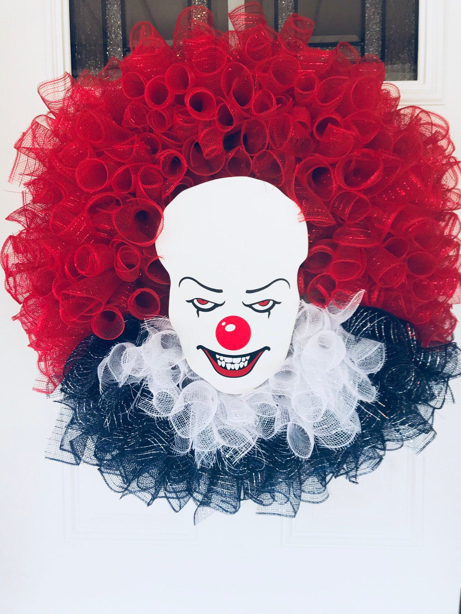Pennywise wreath, IT wreath, clown wreath, Halloween