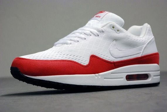 nike air max 1 em red and white stripes