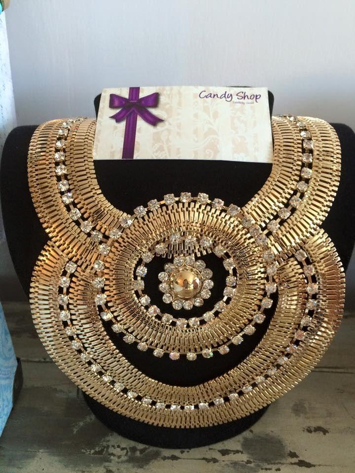 gold necklace with rhinestones. padrisimo para las fiestas de noche, o en esta temporada para tu graduacion!!!