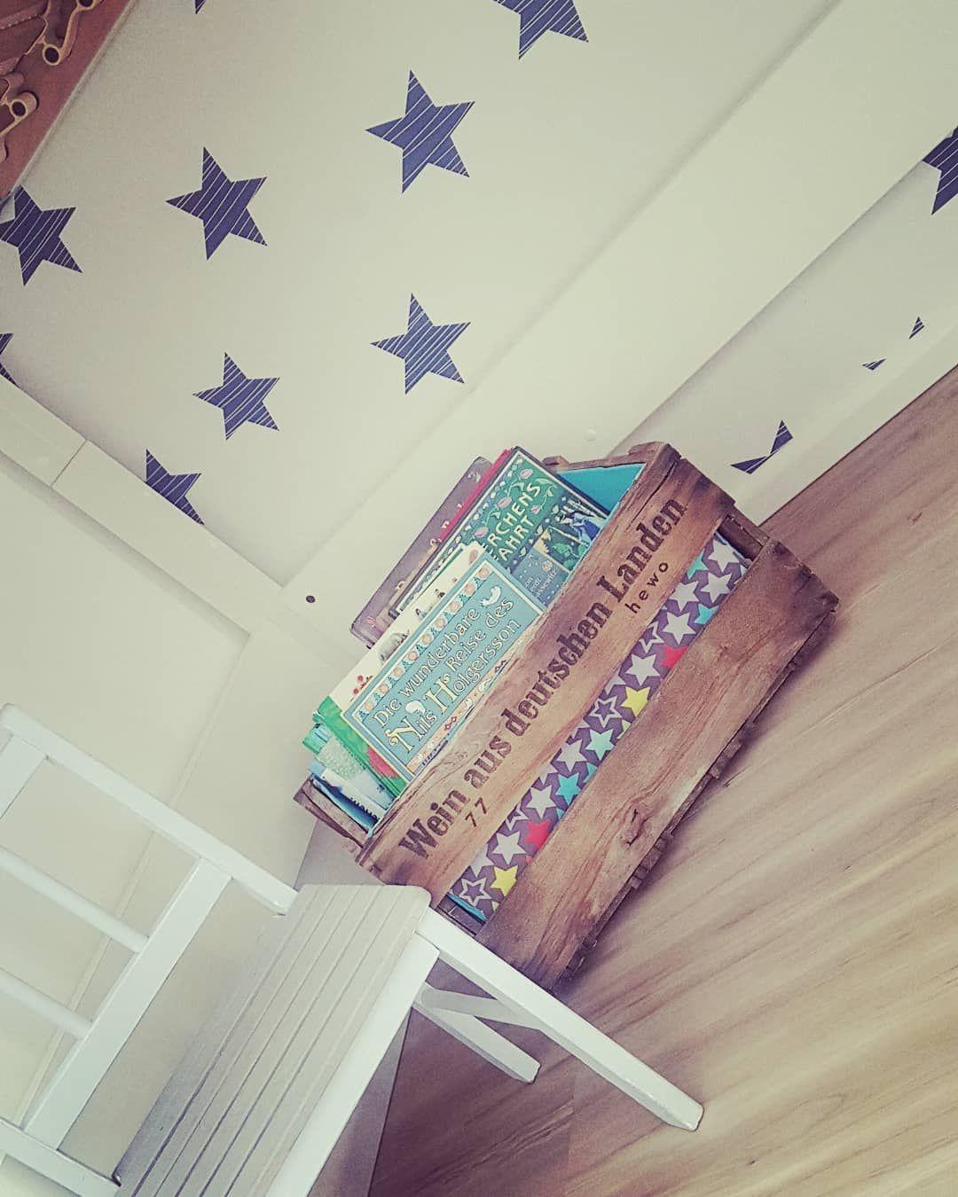 Eine Weinkiste für die Kinderbücher. DIY mit Liebe
