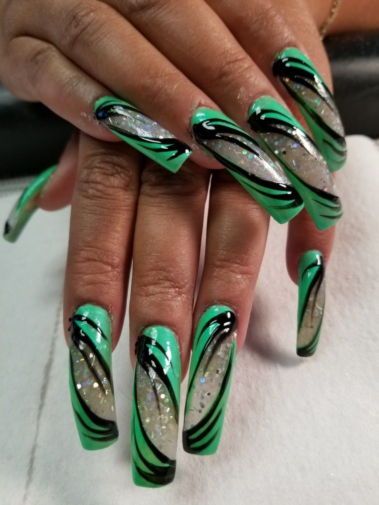 Green black nails | NAIL DESIGNS | Pinterest | Black nails, Colorful ...