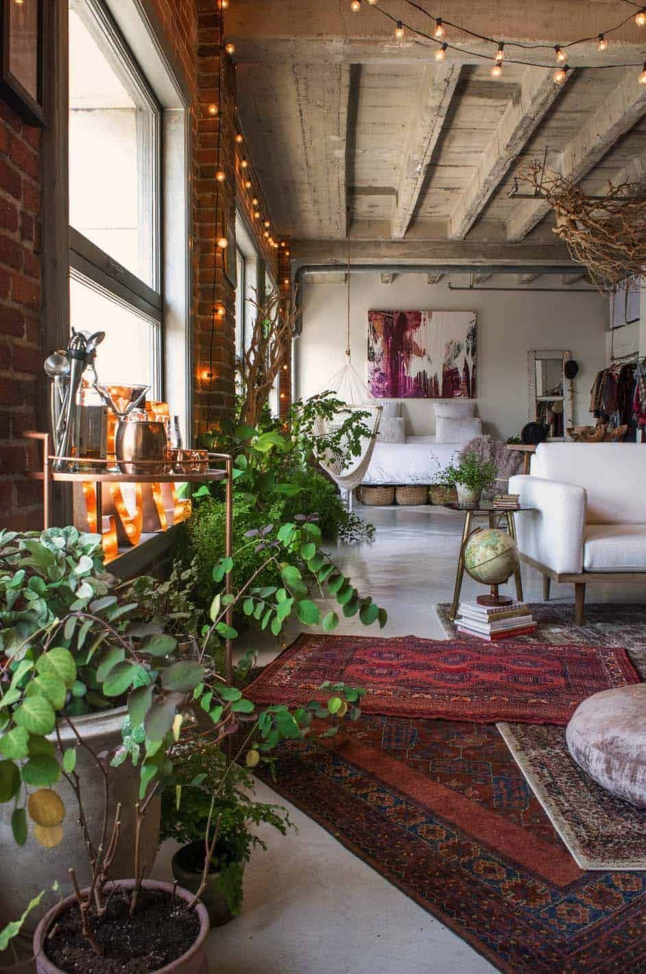 Small Book Filled Loft In Downtown Los Angeles Offers A Magical