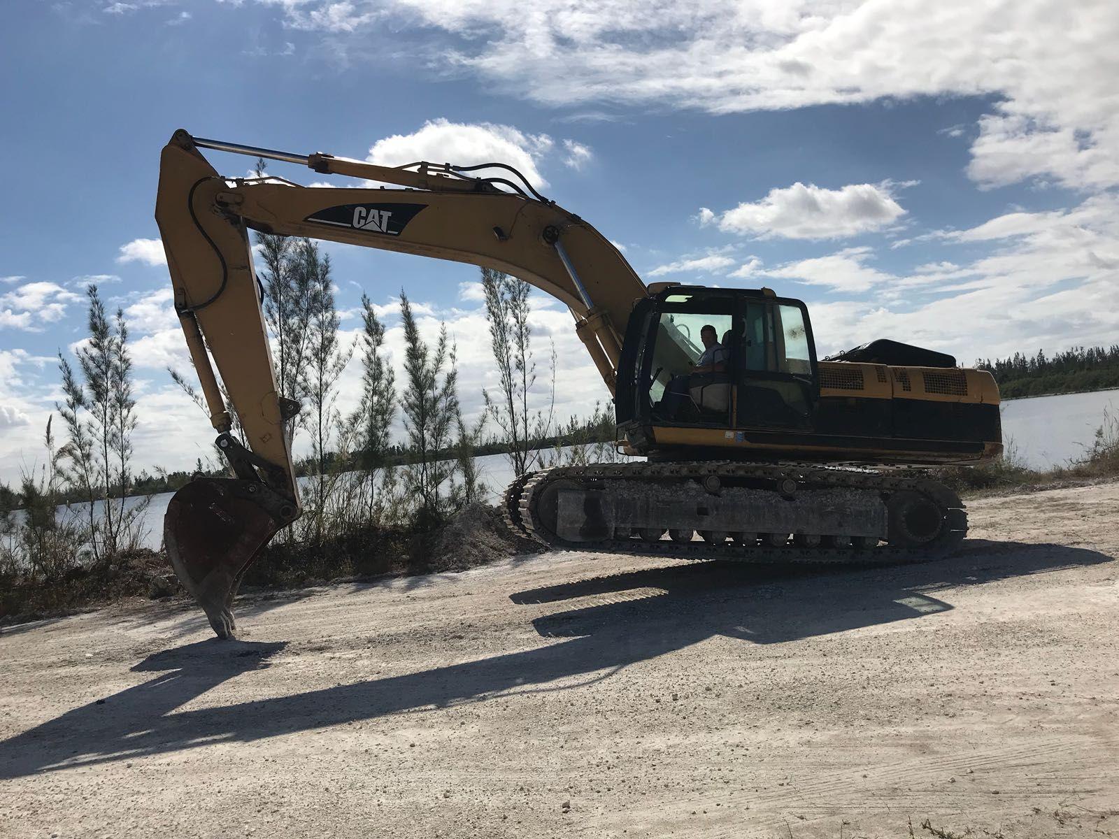 Stock IN0321 Category Excavator Model Caterpillar 330CL